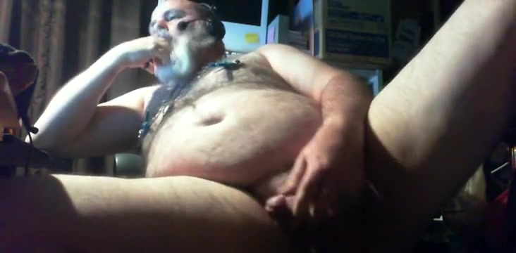 large bear response to Juicmilkhunks popper training episode Milf soaps a girl