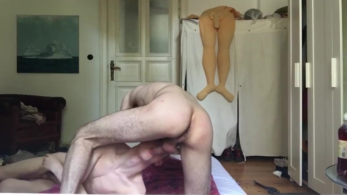 TWINK IS ALWAYS HUNGRY FOR RAW COCK Motion nude oral sex