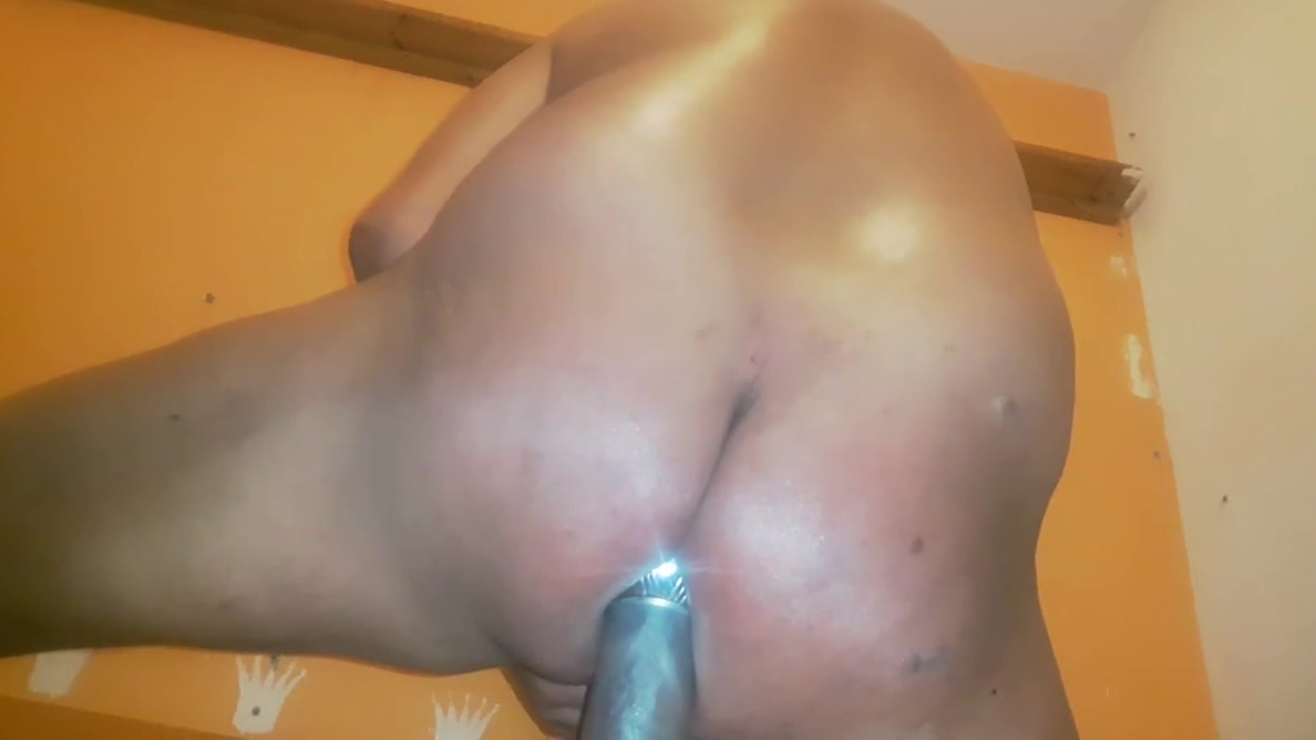 REVERSE ASS EXTREME RED ANAL DILDO SISSY PYRAMIDE SQUIRT Sexy naked girls giving handjobs