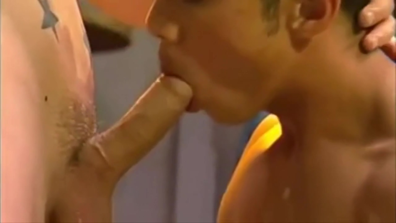 White Sucks Asian Mature hunting down big cocks