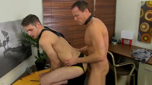 Free gay deep bareback movies While everyone else is out to lunch, Duncan Big chinese tits sucking white cock