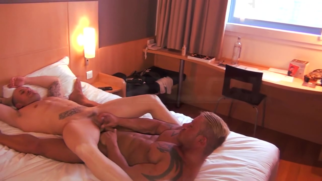 FROTTERS - MAX DURAN AND JONY BLOND FROTTAGE COCK2COCK Hot sexy busty milfs