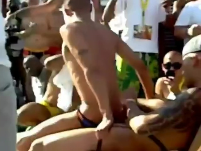 GUYS HAVING PARTY AT POOL Housekeeper watches masturbation