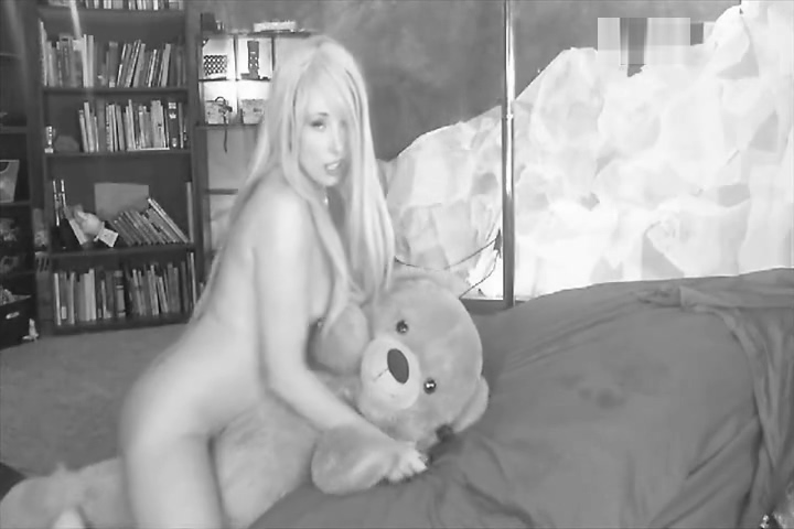 xxxmusexxx and her bear part 2 Erotic live chat
