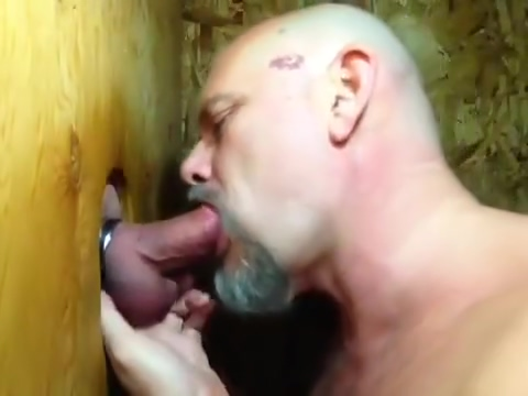 Some guys need kissing: Bear sucks cock and makes out in gloryhole Talk to strangers camera
