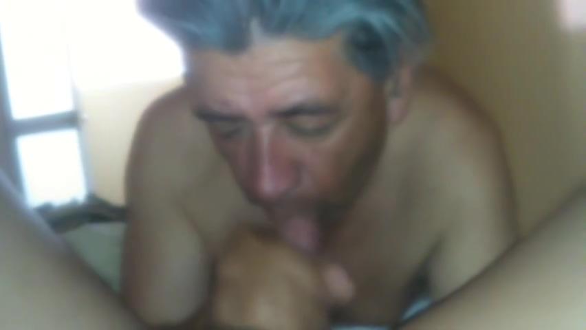 CAMARA OCULTA EN HOSTAL DE LIMA ADOLESCENTE CON MADURO he wants to have sex