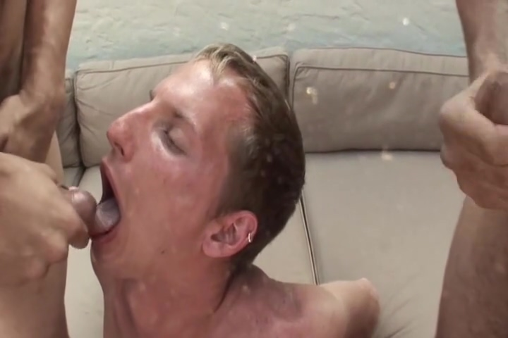 Horny Boys Love Jizzy In Mouth & Face Caught having sex in cancun