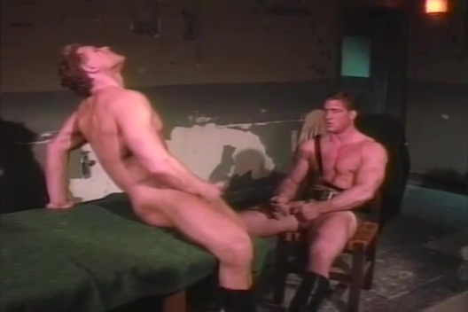 muscle guys having sex Free oral sex bondage photos