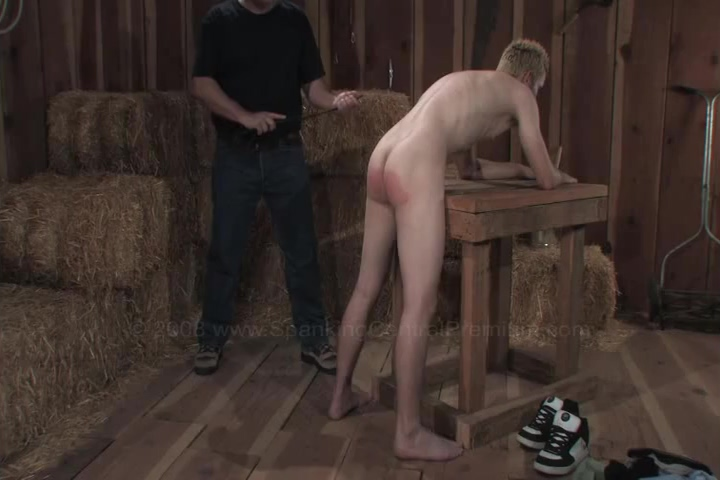 Seth Out in the Shed man to man sex vidio