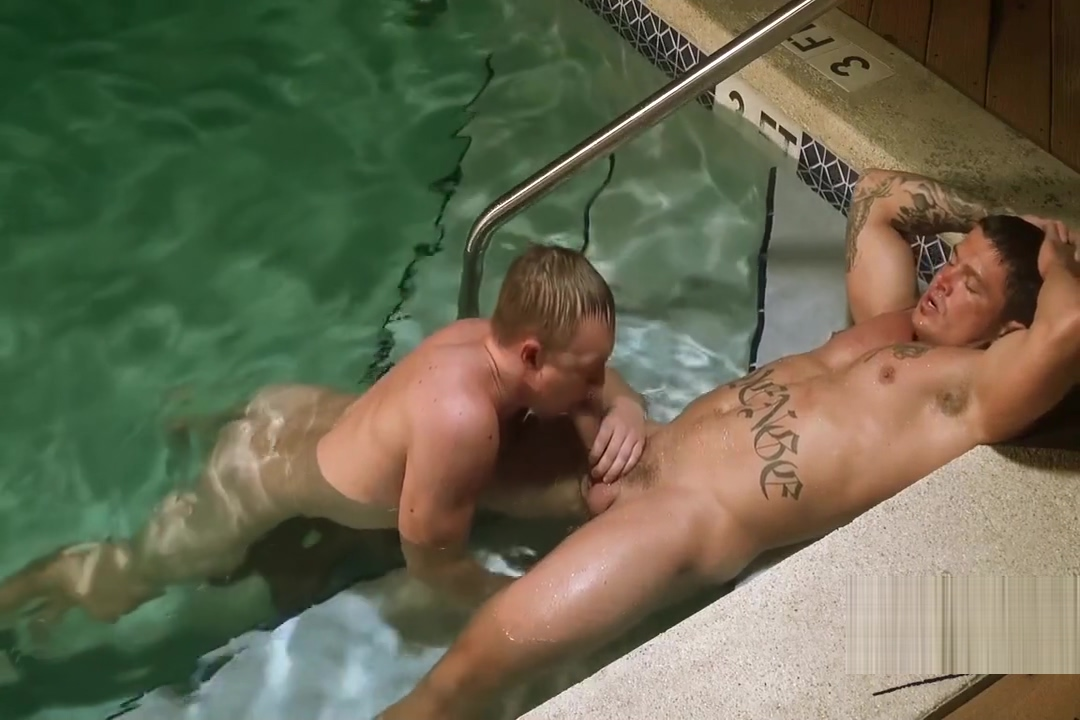Raw Muscle Poolside Flip Fuck Sex partner in Freeport