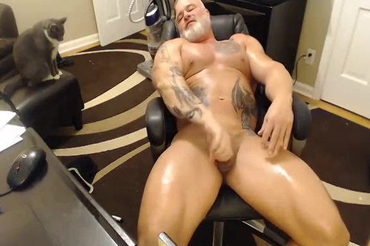 Mature Daddy Bodybuilder Webcam Is beths boobs real