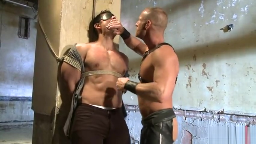 Muscle gay bound with facial cum 2 girls i guy sex