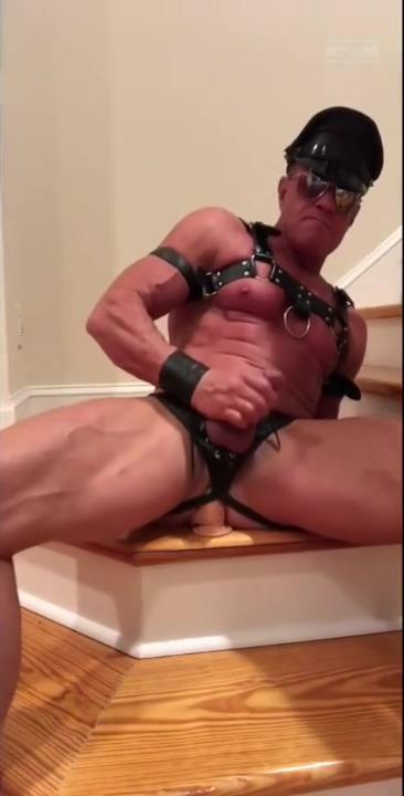 muscle dad taking a dildo kashmiri hijab sex porn