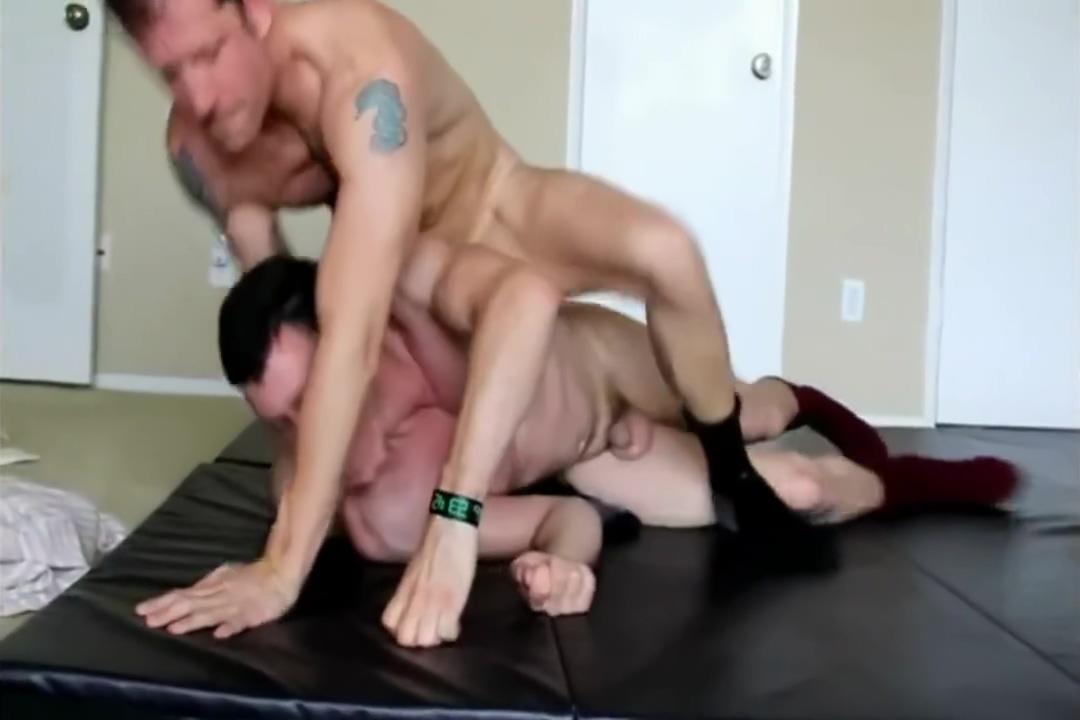 wrestling amateur X large tits