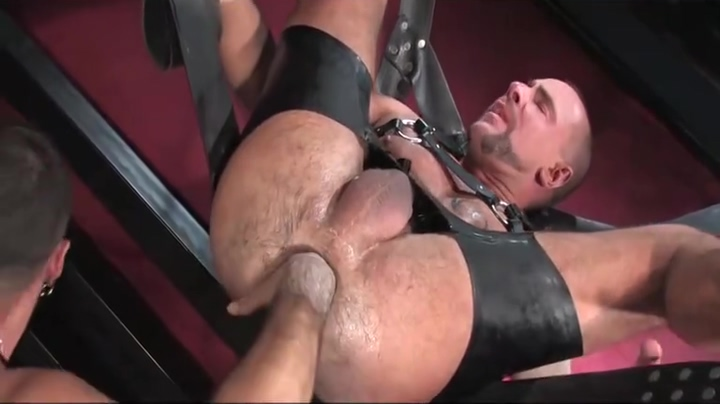 RUBBER FISTING L asians on blacks sex