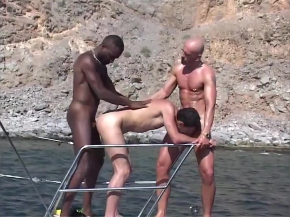 public raw fucking on boat Can i make money from a hookup website