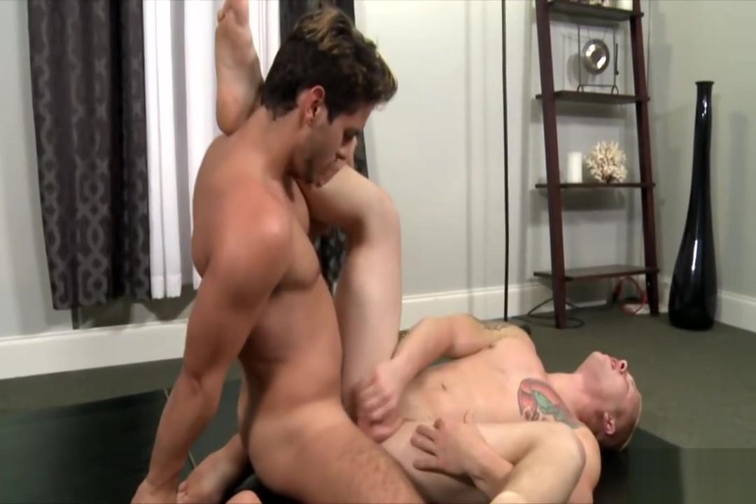 Super Hot Gay Folks With Big Hard Cocks Enjoy Anal Jizz on yoga pants