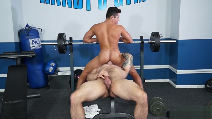 Muscle bodybuilder anal sex with cumshot Tilbud pa laks