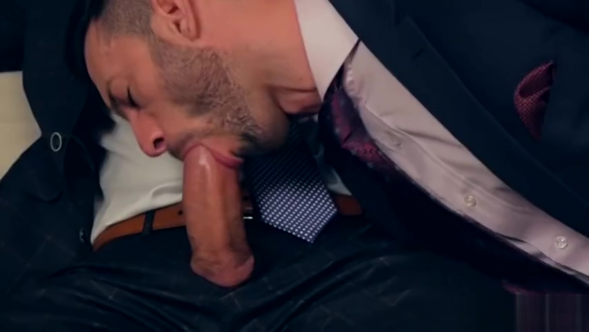 Muscle gay anal sex with cumshot Juicy butt milf