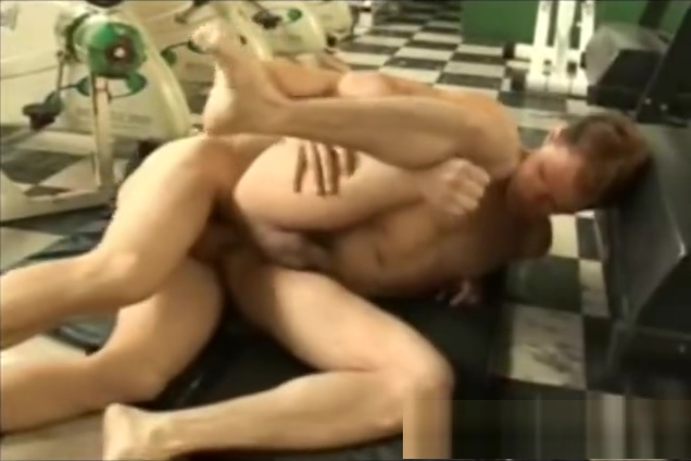 Gym Papis Pounding Each Other Extreme Anal white chick sucking dick
