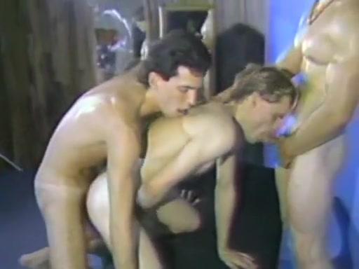 Show It Hard Naked bath tub intercourse