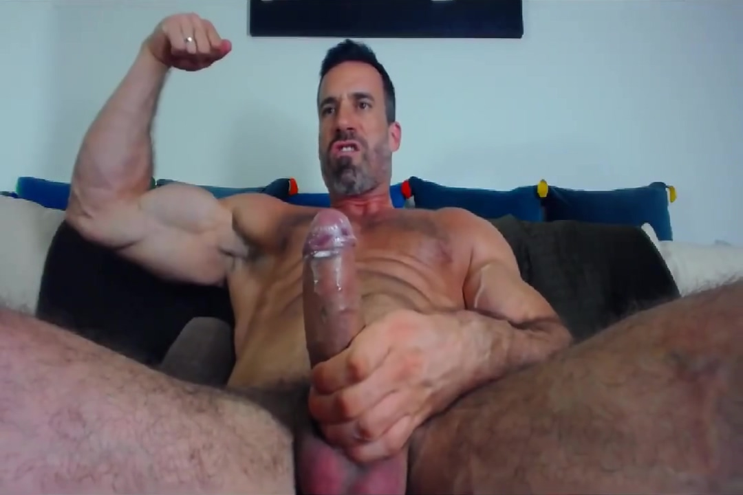 Muscle dad on cam golden girl past away