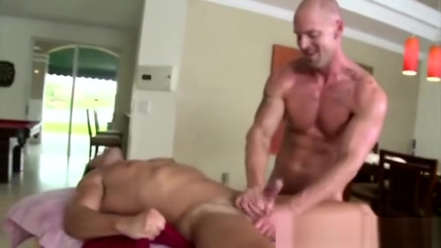 Watch these muscley studs cum Hot girl sex scandal
