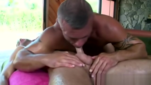Straight guy gets seduced into sixtynine She knows how to move and lapdances