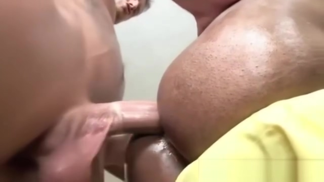 Homo masseur gets some anal fucking jeniffer love hewitt sexy