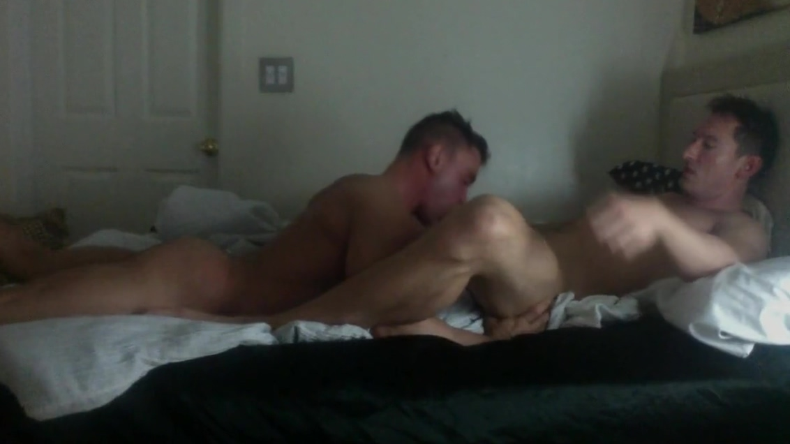 Tall and Uncut top with me. watching him suck another man s cock