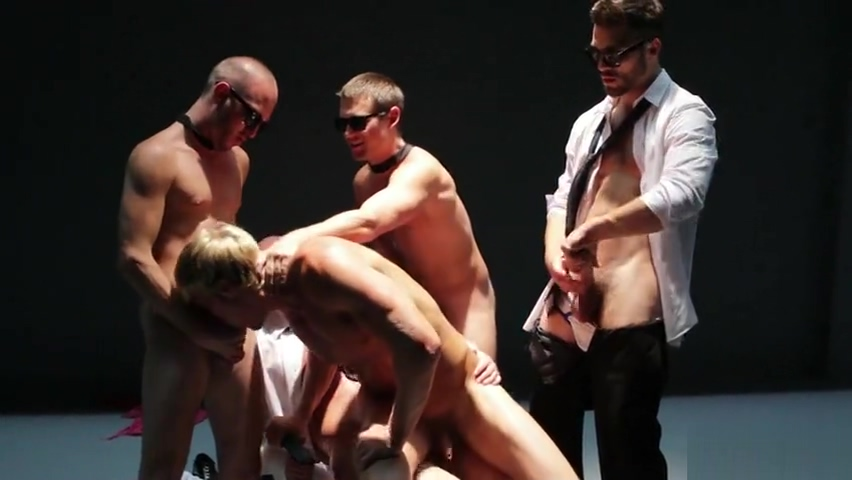 Gavin Waters, Mitch Vaughn, Tommy Defendi, Rex Roddick and Bobby Clark Lesbian fantasy clothes swapping