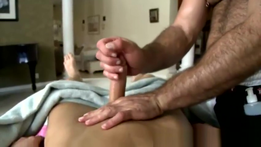 Gay masseur loves toying his clients ass hot naked chinese woman