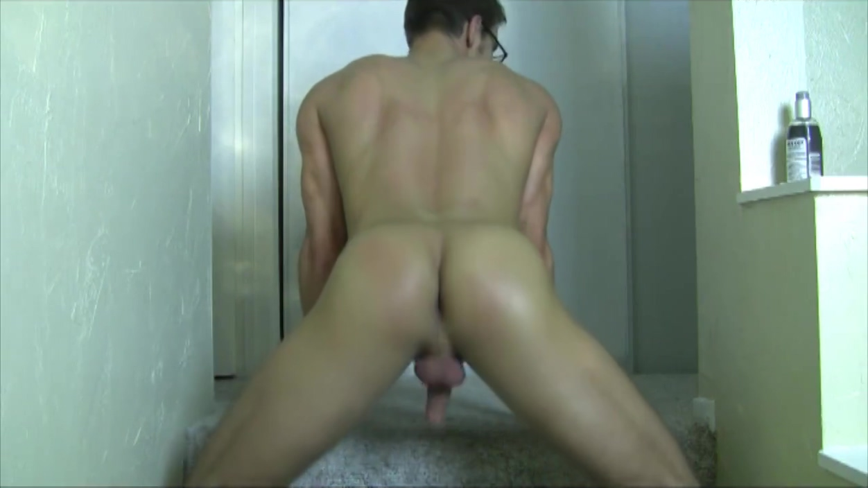 Muscle jock jerks off and shows off bubble ass x rated gay interracial movies