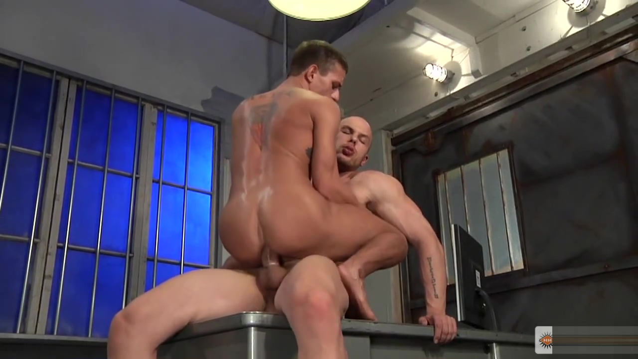 Angelo Alexander Gustavo - Hard Time Shower video tgp