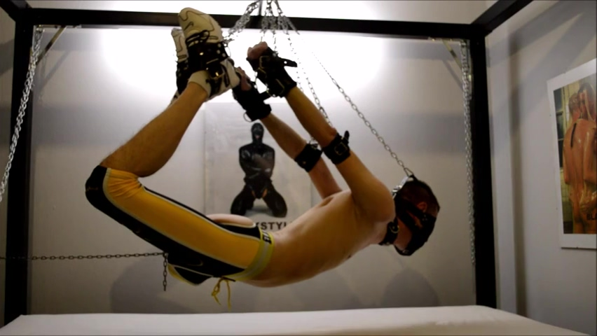 Suspension Slave How to make my wife orgasim