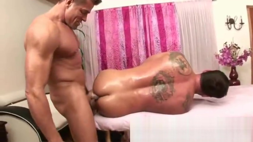 Masseur with big cock smacks clients ass Asian lilly shower curtain