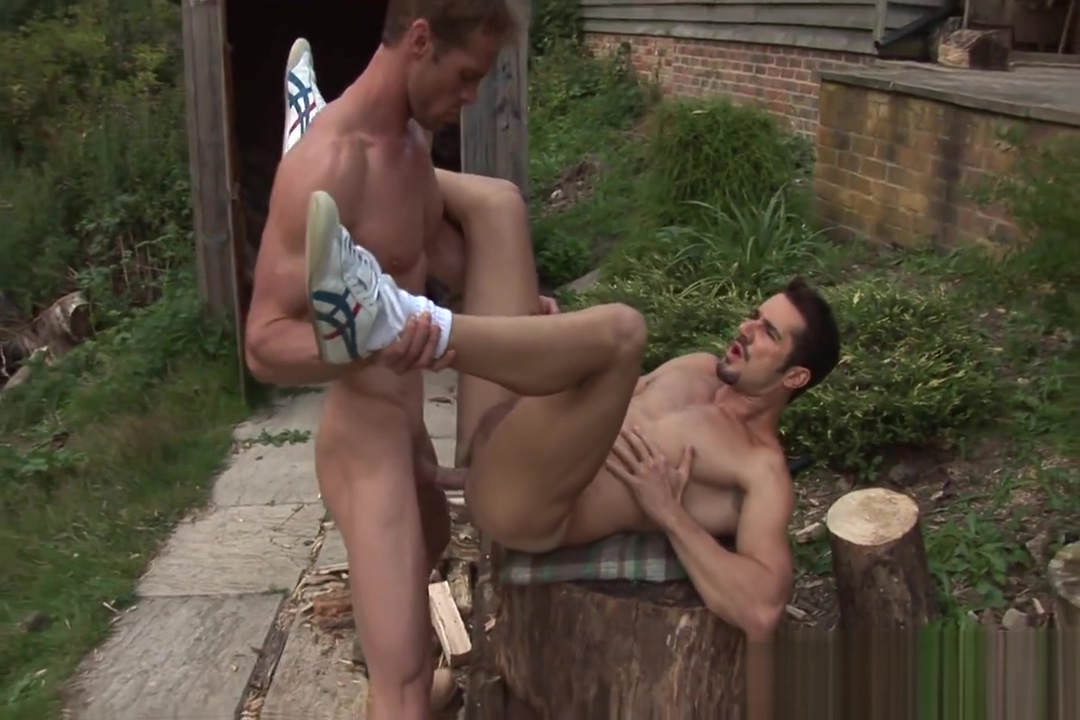 HARD BRIT LADS DEAN MONROE AND NEIL STEVENS deidre holland and rocco siffredi