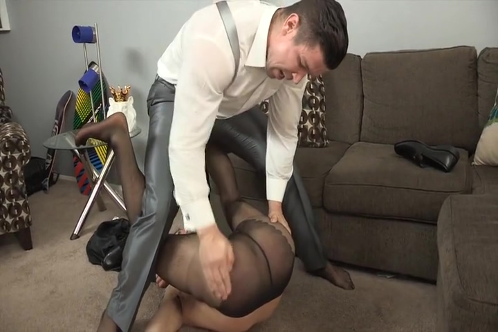 chris harder and trenton Chinese milf pissing!