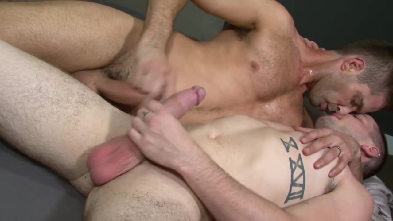 Colton Grey and Micahel Lucas hot mature in nylons
