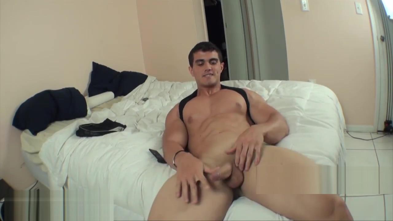 Hunk on Cam Big lipped naked lladies