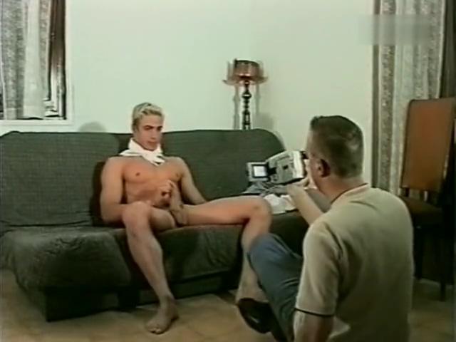 Un jeune apprenti cuistot de 20 ans se branle pour son pote (rare) pam anderson fully nude
