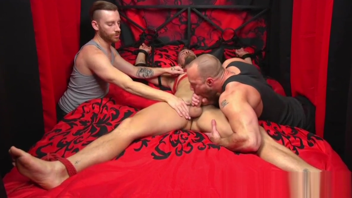 Bound gay gets dick deepthroated in threeway List of nude girls