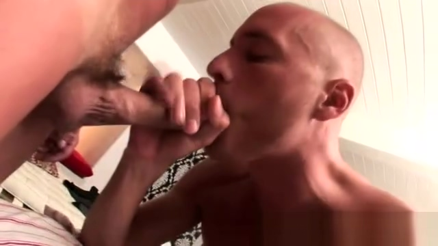 Masseur stiffens a dick with fleshlight Hawt hottie is drooling from dudes deepthroating
