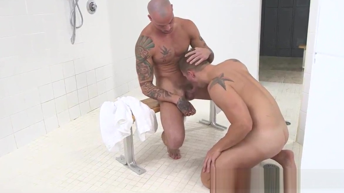 Sporty jock deepthroats and gets drilled Home made anal sex