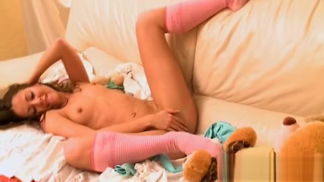 18yo lady masturbating with teddy bear Nude aunties in india
