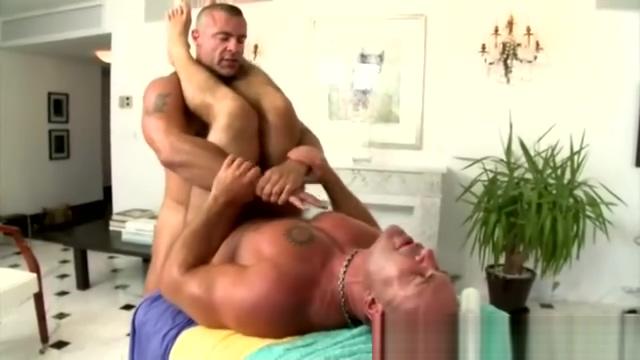 Bodybuilder fucked in the ass Sexy student seduces teacher