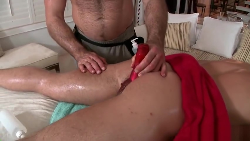 Hunky guy gets anus rimmed 3 part1 Reasons for sore tender breasts
