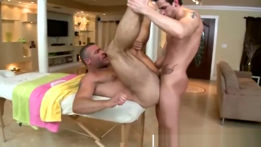 Gay masseur gets fucked after he sucked hot naked wife