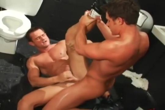 Trey Casteel and Benjamin Bradley Anal Llanto Destrozo