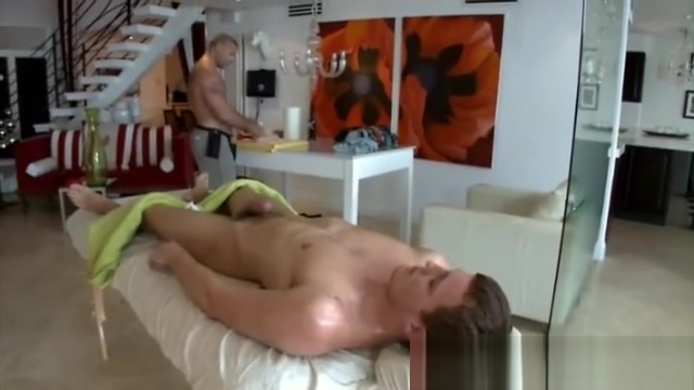 Amateur straight guy gets a handjob of hunk in massage How to act when hookup an older man